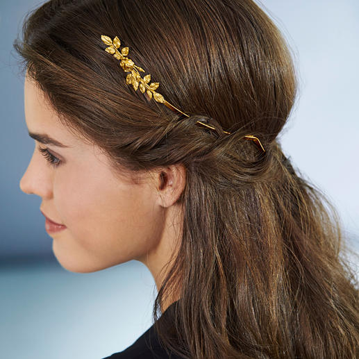 Avigail Adam Goddess Crown Trendy hair accessory – and versatile styling aid. 24ct gold plated. Flowers and leaves hammered by hand.