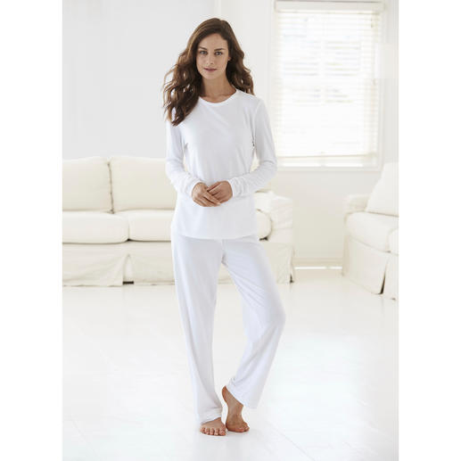 Cornelie Weiss Loungewear Suit - Perfect for the summer – white loungewear in an airy blend of cotton and modal piqué.