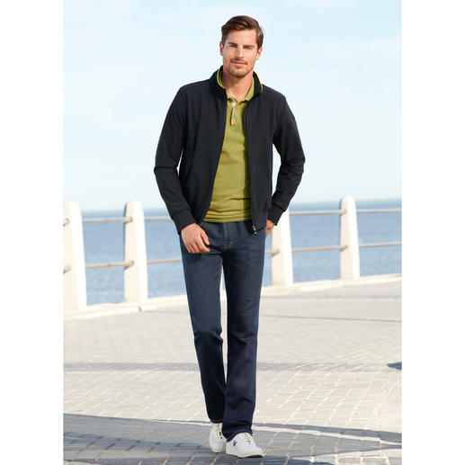"Men's ""Holistic Technology"" functional jacket Ultra-light, totally functional and very elegant. By RRD, Italy."