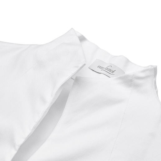 van Laack High Collar Blouse A true classic – yet so hard to find. Perfect with any jacket. By van Laack, Germany's blouse specialists.