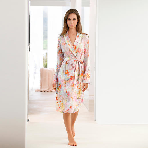 "Charmor Dressing Gown ""Floral Beauty"" Uniquely stylish and yet surprisingly uncomplicated.