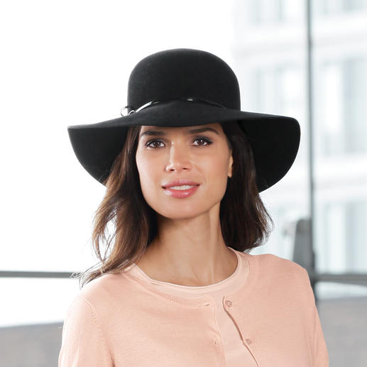 Mayser Rabbit Fur Floppy Hat The luxurious one among fashionable floppy hats: From 100% rabbit fur. Naturally water-repellent & breathable.