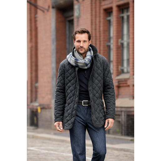 Four Seasons Quilted Jacket Velvety fabric. Fleece lining. Versatile, elegant and even machine washable.