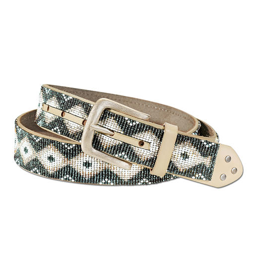 Smitten Ethno Bead Belt Robust cow leather: Authentic bead pattern. Handmade by Maya women in Guatemala.