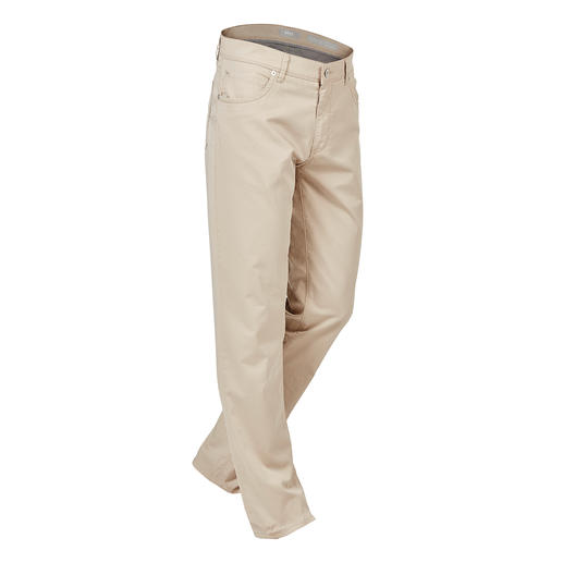 "Brax Ultra-Light Cotton Trousers The lightest cotton trousers in Brax's 65 year old history. Weighs only 280g (9.9 oz) in a size 34""R."