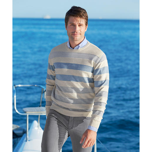 Stereo-System® Striped Pullover Striped pullover made from fine merino wool that never scratches.