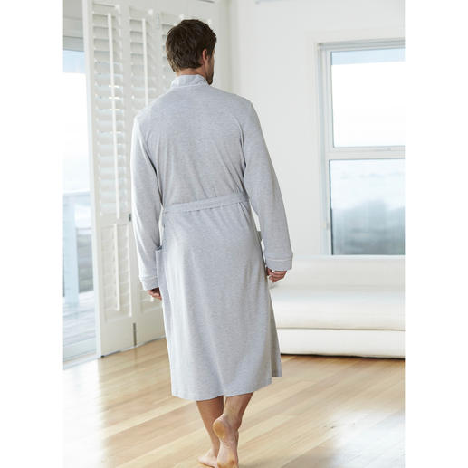 Taubert Piqué Dressing Gown The ideal dressing gown for the summer. Also for travel bags. Fine. Light. Airy. Low-crease. Cotton piqué.