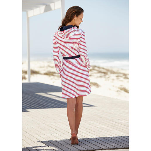 "Taubert ""Nautical"" Jersey Dressing Gown The ideal dressing gown for the summer – and perfect to pack in your suitcase. Low-crease and easy to pack."