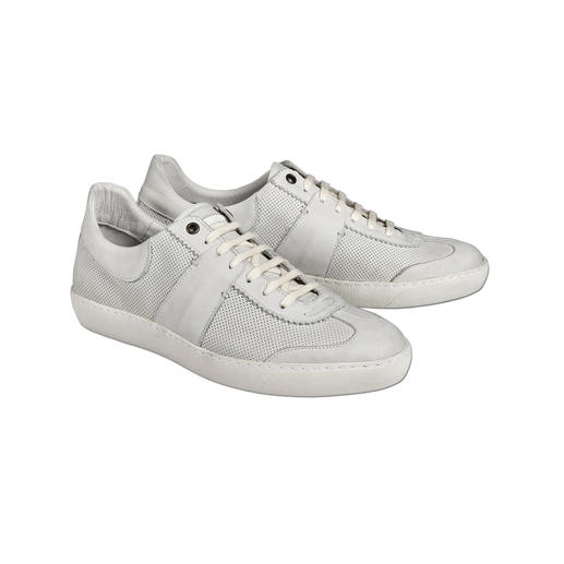 Coque Terra Retro Sneakers The elegant version of up-to-date sneakers with a retro look. From leather. Soles have been stitched through.