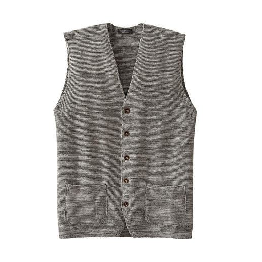 This fashionable knitted waistcoat is truly unique. This fashionable knitted waistcoat is truly unique.