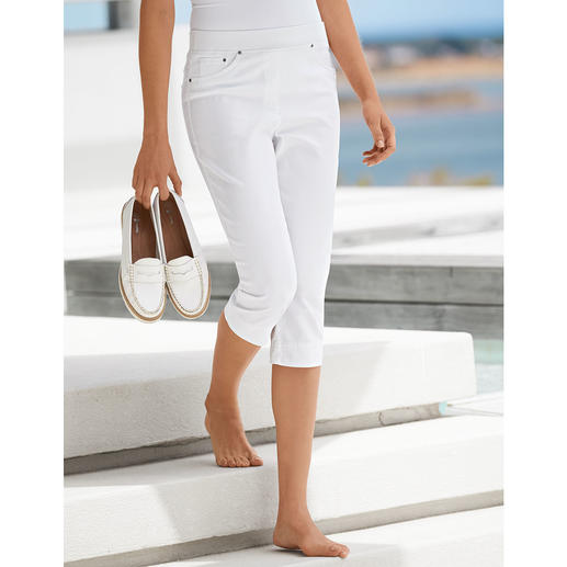 Raphaela by Brax Capri Comfort Jeggings, White Finally: Comfortable jeggings that can also be worn with a cropped top.