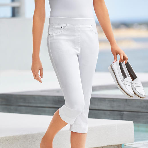 Raphaela by Brax Capri Comfort Jeggings Finally: Comfortable jeggings that can also be worn with a cropped top.