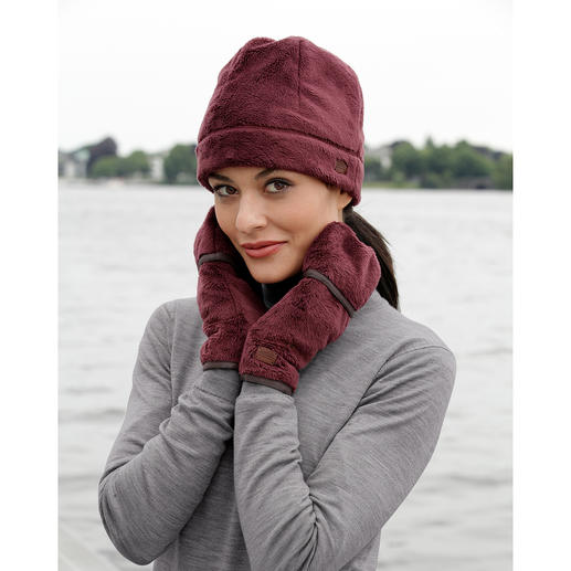 Aigle Polartec® Hat or Mittens Much warmer and lighter than usual fleece accessories.