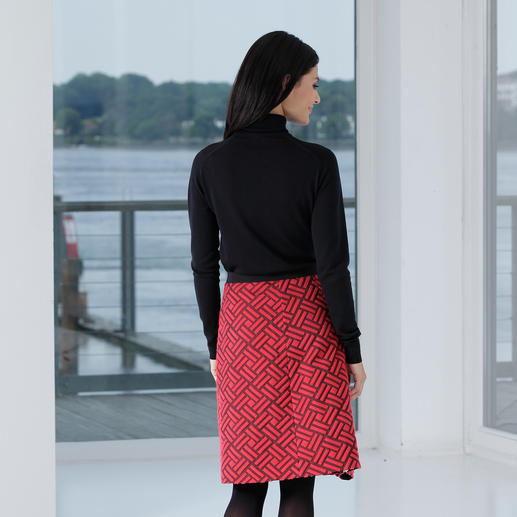 Strenesse Graphically Textured Skirt Who would have thought a serious classic could be this modern: The casual, textured skirt by Strenesse.