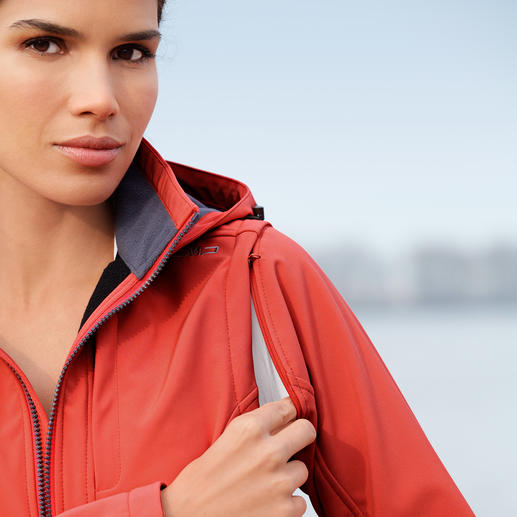 Soft Shell Jacket for Women Slim, lightweight, yet warm. Jacket made of Soft Shell, with WindProtect® by CMP.