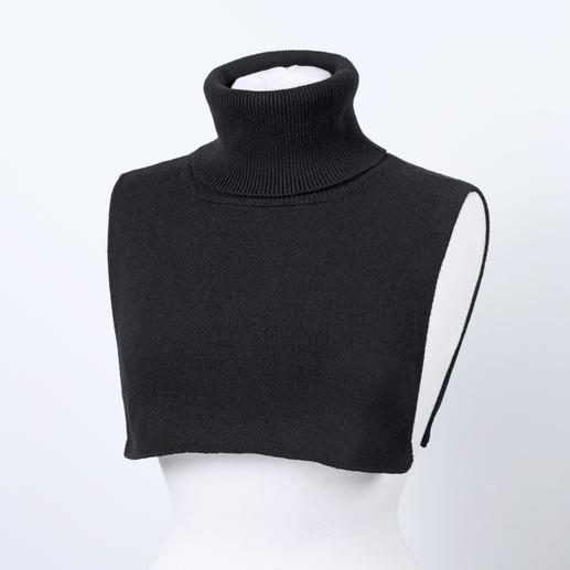 Liu Jo Roll-neck Insert, Black The roll-neck is undergoing a fashion revival. This one won't make you look big nor is it too warm.