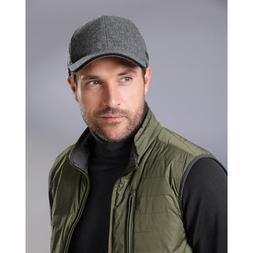Lagerfeld Wool Felt Cap Extraordinarily elegant, yet warm and water repellent.