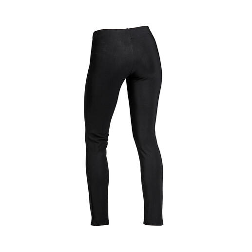Finally: Leggings that give a really good silhouette! Finally: Leggings that give a really good silhouette! Shaping leggings by Christies, the Italian specialist.