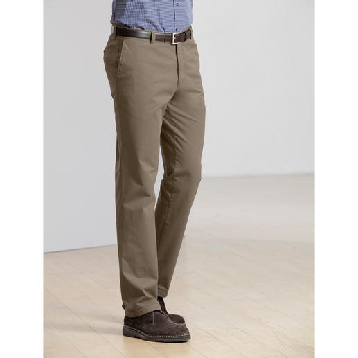 Rare pima cotton. Perfect fit. Fabulous price. Luxuriously comfortable chinos. By trouser specialist Club of Comfort, men's tailoring since 1954.
