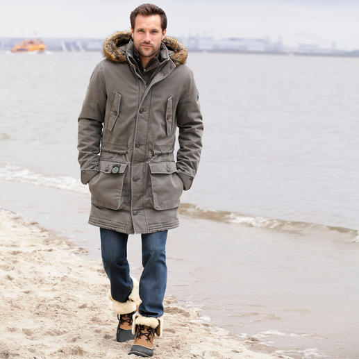 Sailors & Brides All-Weather Parka for Men Finally a cotton parka that is as wind and waterproof as a multifunction jacket.