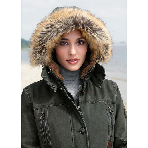 Sailors & Brides All-Weather Parka for Women Finally a cotton parka that is as wind and waterproof as a multifunction jacket.