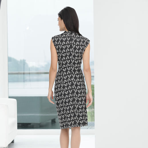 Barbara Schwarzer Graphic Pattern Dress Elegant designer dress for everyday wear or occasions.