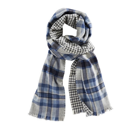 Johnstons Double- Face Checked Scarf, Blue/Grey One elegant double-face scarf. Two classic patterns.