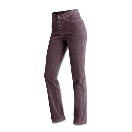 Probably the most comfortable 5-pocket trousers: The Magic Waistband trousers by Raphaela-by-Brax. Invisible reserve waistband width plus power-stretch effect. Made from fine corduroy.