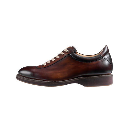 Cordwainer Luxurious Sneakers The elegant luxurious sneakers, perfectly welted like classic business shoes.