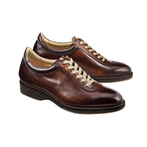 The elegant luxurious sneakers, perfectly welted like classic business shoes. The elegant luxurious sneakers, perfectly welted like classic business shoes.