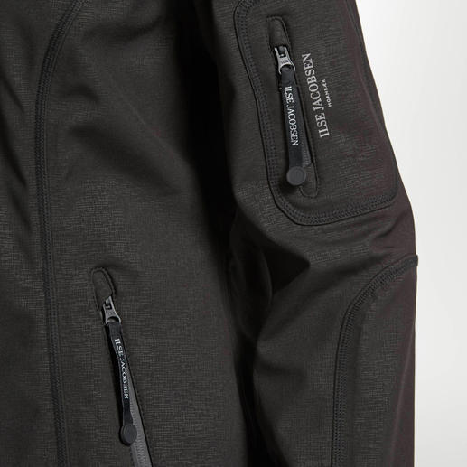Ilse Jacobsen softshell Raincoat Breathable, softshell fabric that's wind and waterproof. Danish design. Functionality is rarely this stylish.
