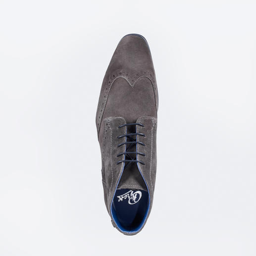 Greve Calfskin Suede Brogues Contemporary calfskin suede brogues with weatherproof soles by Greve/The Netherlands.