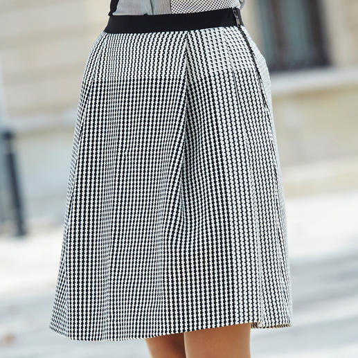 "Strenesse Silk Blouse or Skirt ""Black & White"" It's often hard to find such a perfectly matching fashion combination. Trendy minimalistic pattern mix."