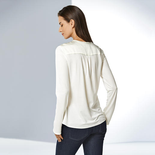 Strenesse Shirt Blouse As elegant as a blouse. As comfortable as a shirt. A stylish mix of jersey and satin. By Strenesse.