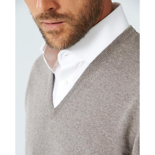 Alan Paine Merino Wool V-Neck or Round-Neck Pullover Incredibly soft and practically pill-free.