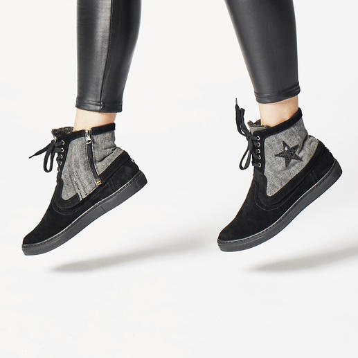 Basic Shoe or Shaft Cover BONDS D'AZUR Slip-ons today, fringed booties tomorrow, and ethnic or glam-rock shoes for another day.