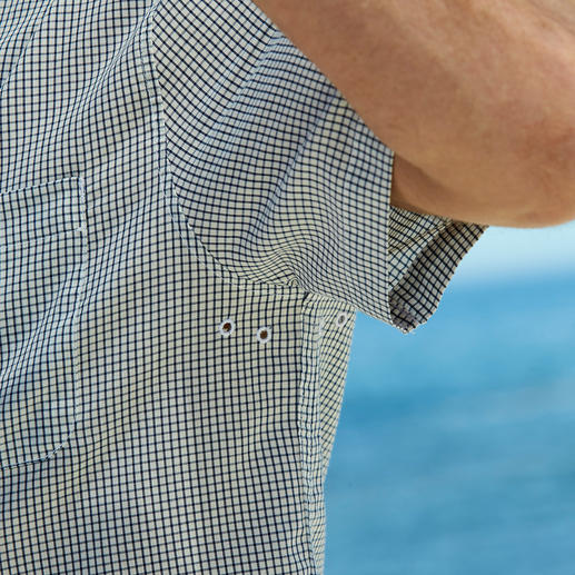 Aigle Outdoor Shirt This is how stylish a functional outdoor shirt can be. By Aigle, France.