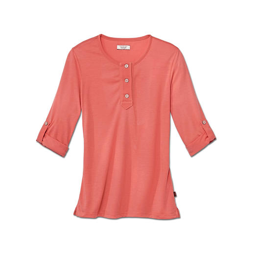 Aigle Cotton Functional Shirt 100% moisture absorbent – but thanks to the cotton much softer than pure synthetic shirts. By Aigle, France.