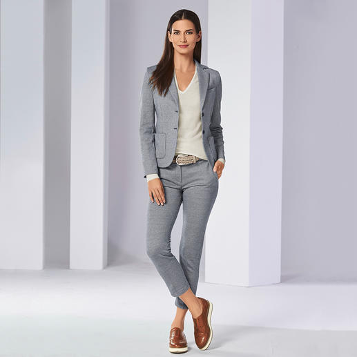 Circolo Jersey Blazer or Jersey Suit Trousers Premium quality suit with the comfort of leisurewear. Fashionable knitted jersey.