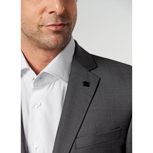 Lagerfeld Wool and Silk Suit Fine wool cloth with silk. Fashionable pattern. Original Lagerfeld.