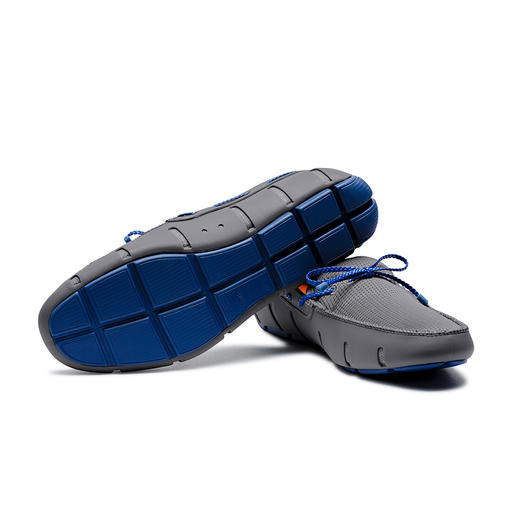 Swims Wet Shoes The wet shoes for gentlemen. As waterproof as swimming shoes. As airy as sandals. As elegant as loafers.