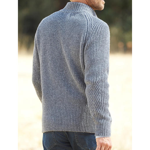 Fisherman Raglan Cardigan Rustic look – contemporary interpretation. With incorporated yoke. Authentically made in Ireland.