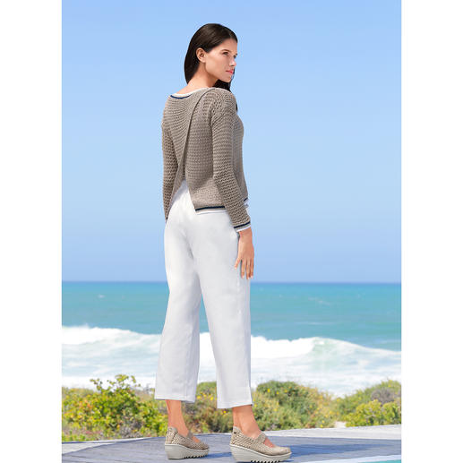 Liu Jo Navy Pullover Nautical style – the elegant, Italian way. By Liu Jo.