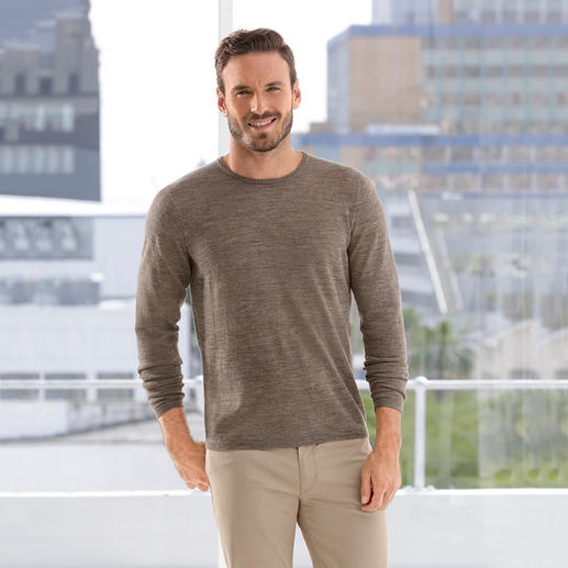 Pullover made of Baby Alpaca Wool and Silk Light as a feather yet durable: The all-season basic pullover made from a blend of baby alpaca wool and silk.