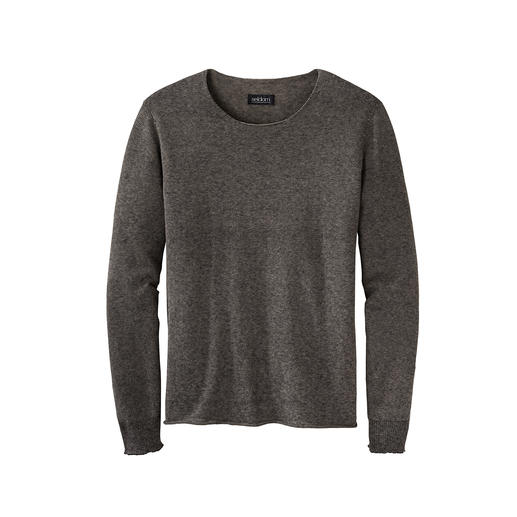 Smart-Casual Summer Jumper Only 150g (5.3 oz) and incredibly versatile. Airy fine knit jumper made of cotton and linen.