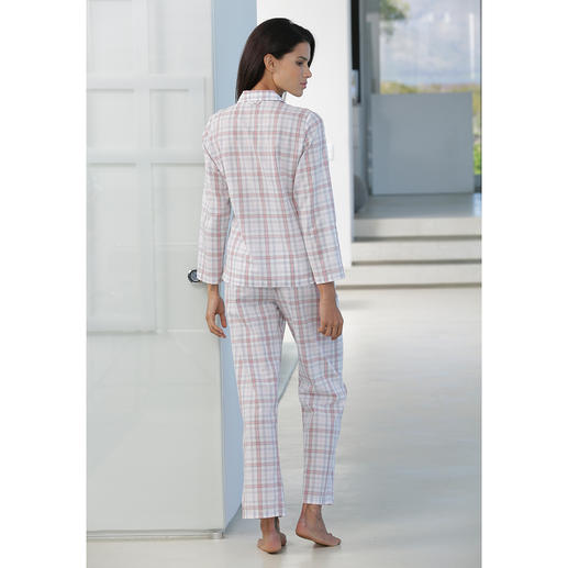 Novila Checked Pyjamas Pyjamas that make a good first impression every morning.