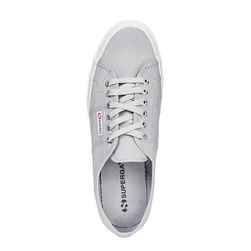 "Superga® Sneakers ""2750"" With added Italian noncha­lance: The Superga® 2750. In 1925 the first of its kind. Today a cult classic."