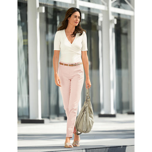 Mason's Jacquard Summer Chinos Perfectly tailored for the female figure: Feminine chinos with summery jacquard pattern. By Mason's.