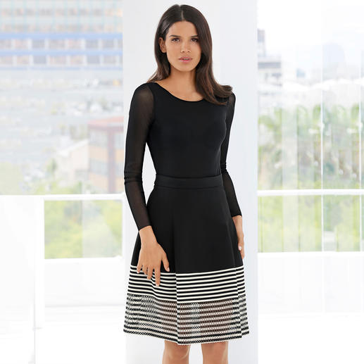 The jersey skirt with French chic. The jersey skirt with French chic. Feminine and elegant. Comfortable and casual.