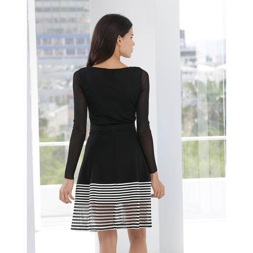 Amant Maitresse Jersey Skirt The jersey skirt with French chic. Feminine and elegant. Comfortable and casual.